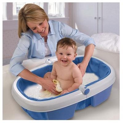 bain et soin rigolo pour bébé