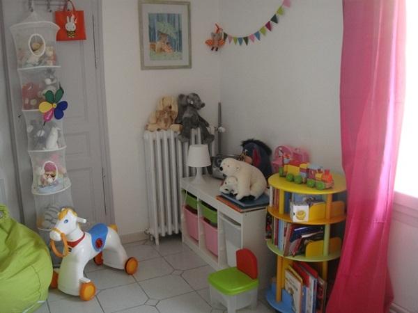 Comment bien organiser une petite chambre b b for Photos chambre enfants